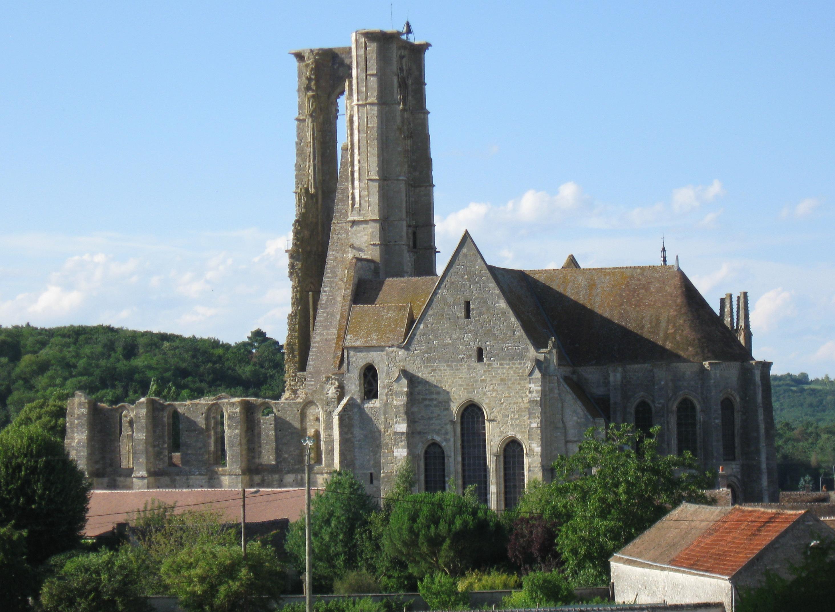 basilique saint-mathurin Larchant GR13 section 1