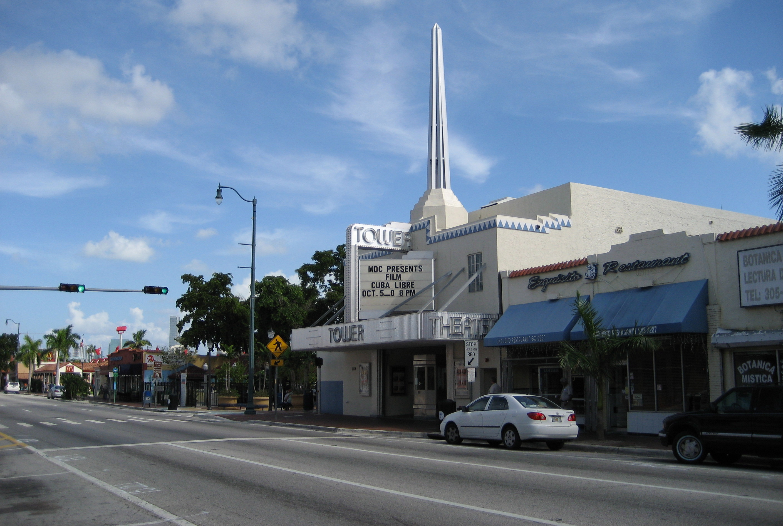 El Teatro Tower, en la Pequeña Habana.