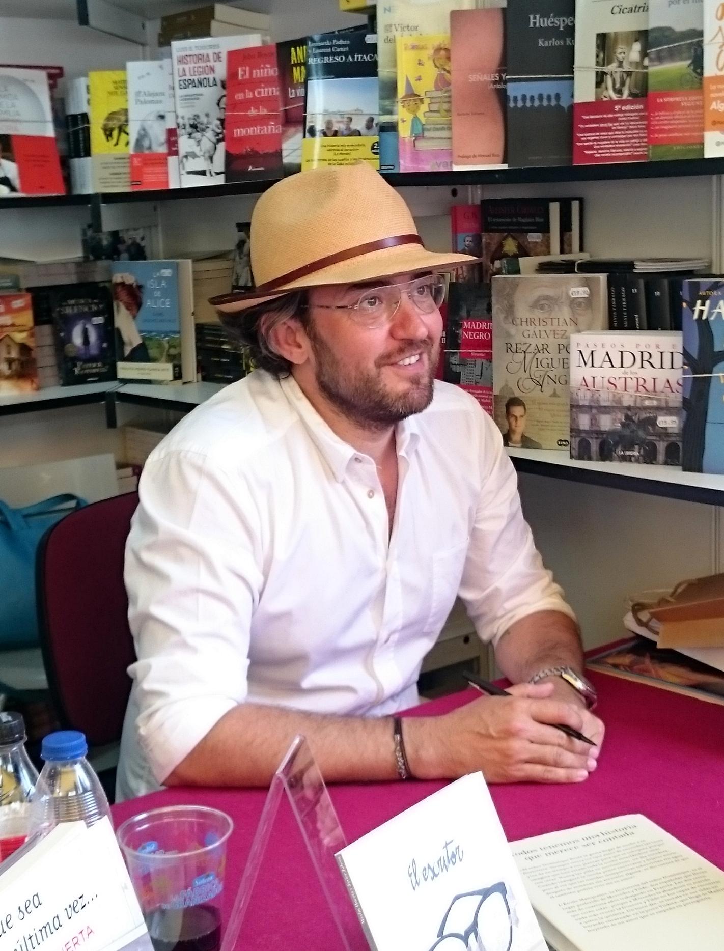 Archivo m xim huerta en la feria del libro 5 de junio de for Maxim huerta libros