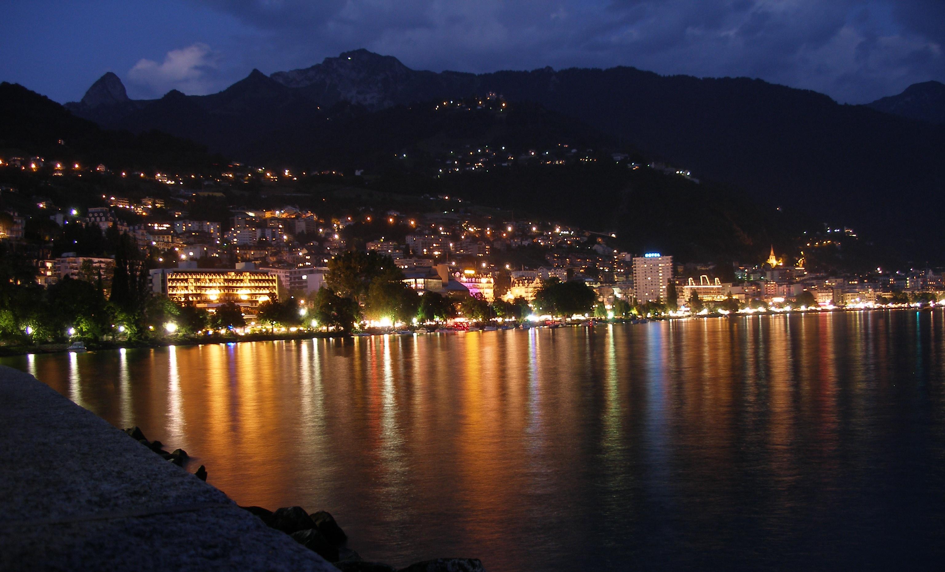 モントルー - Wikipedia