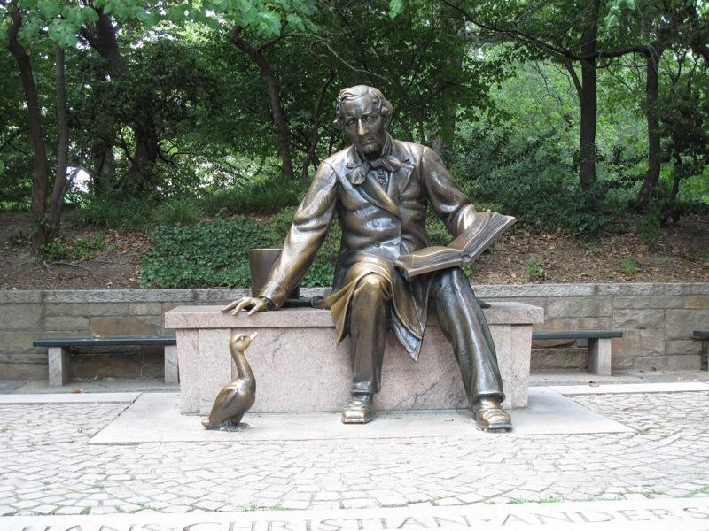 [H.C. Andersen statue]