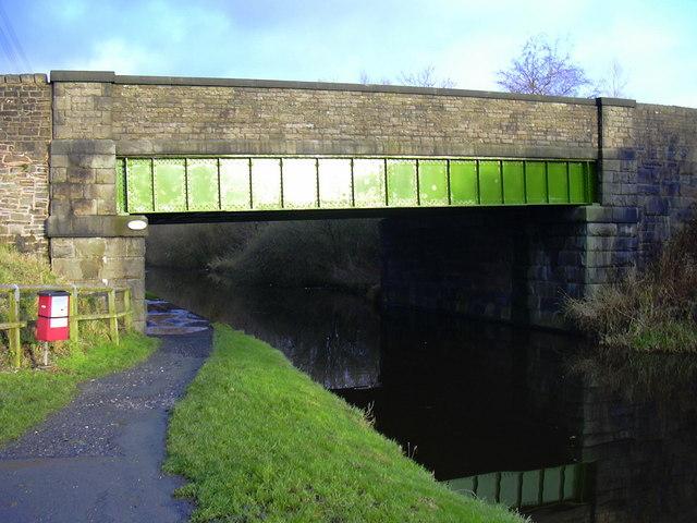 Norden Bridge, Leeds-Liverpool Canal, Rishton, Lancashire - geograph.org.uk - 1601237
