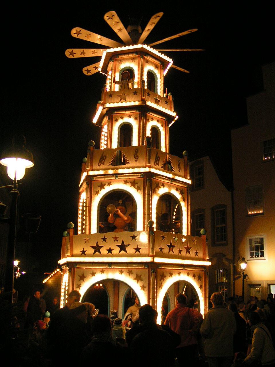 File Osnabruck Weihnachtsmarkt 2 Jpg Wikimedia Commons