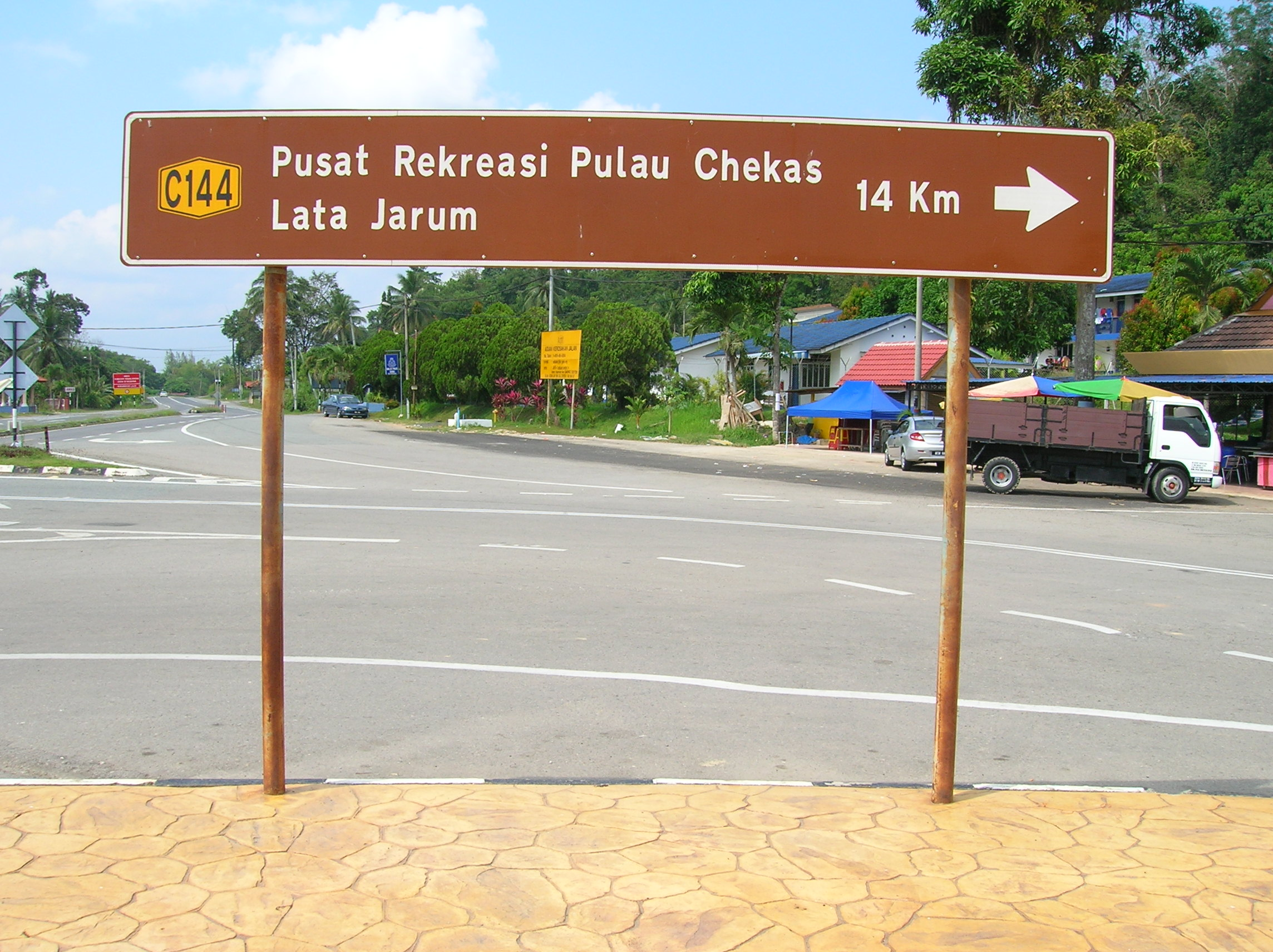 Image result for warna signboard jalan di malaysia