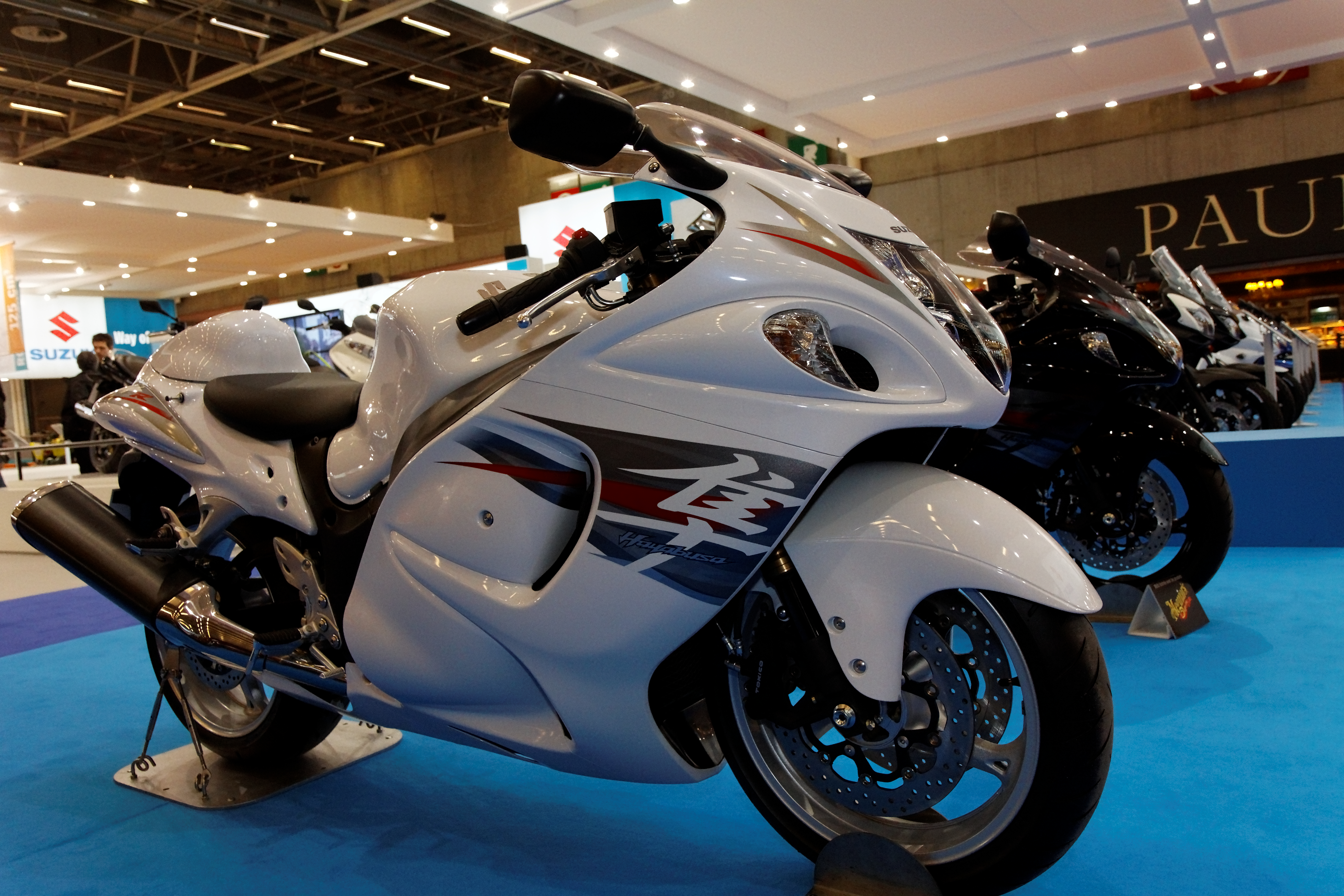 File:Paris   Salon De La Moto 2011   Suzuki   Hayabusa   002.