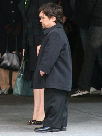 English: Peter Dinklage shooting a scene for t...