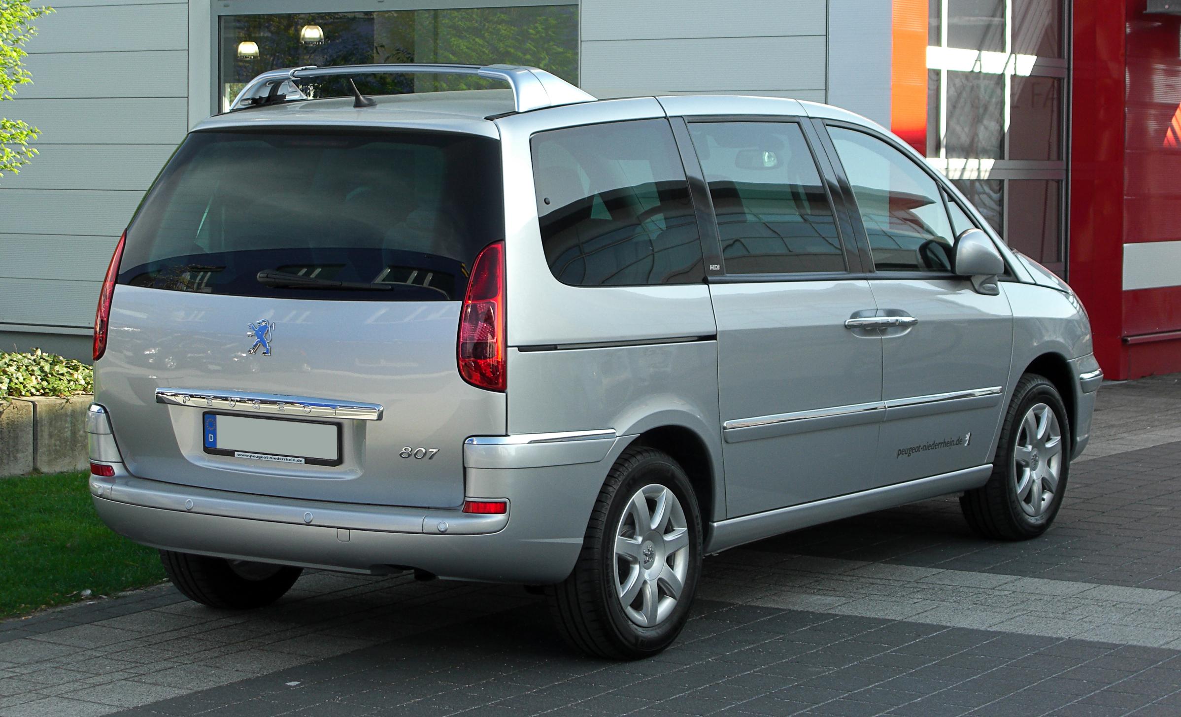 File:Peugeot 807 HDi FAP 135 Premium (Facelift) – Heckansicht, 9