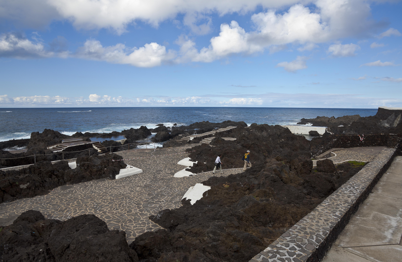 File piscinas naturales garachico tenerife espa a 2012 for Piscinas naturales madrid gratis