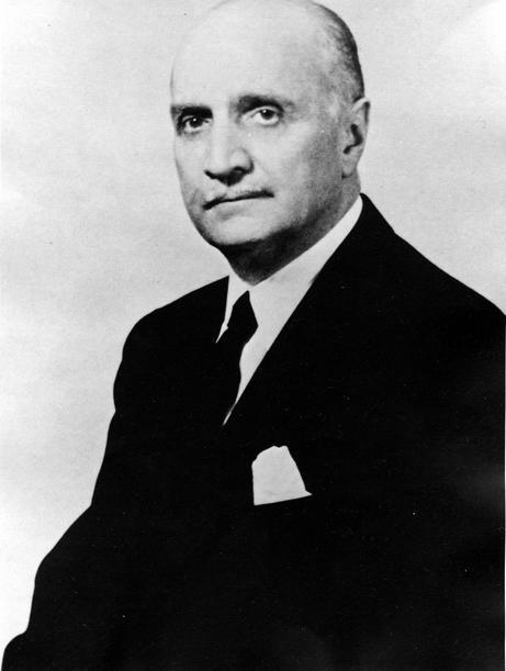 Portrait of Loy W. Henderson.jpg