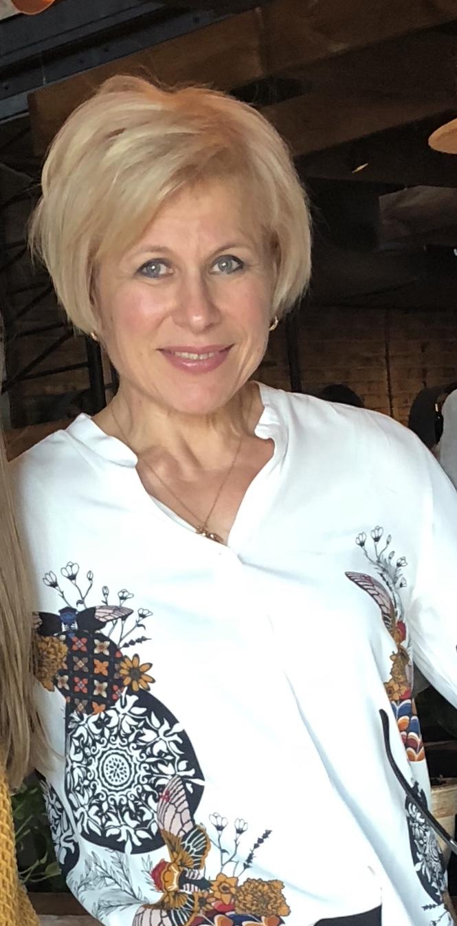 Viktoria Komova - Wikipedia