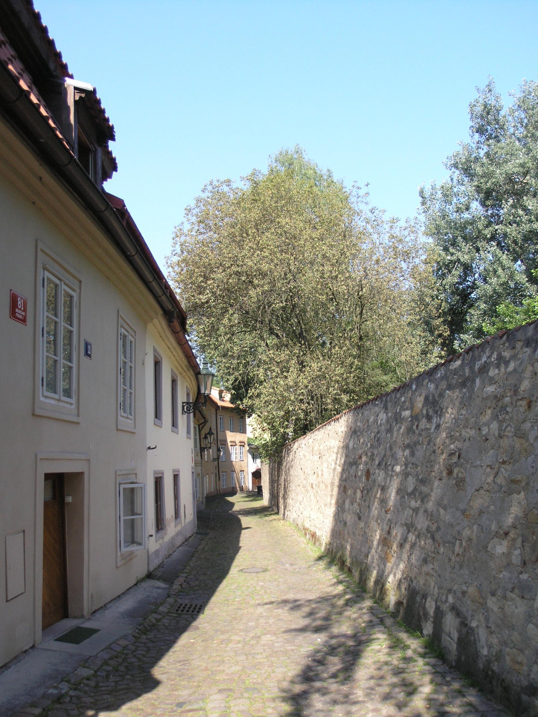 novy svet  File:Praha, Hradcany - Novy svet (od cp 11 k hradbam).jpg - Wikipedia