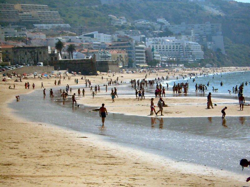 Image:Praia do Ouro (Sesimbra) 1.JPG