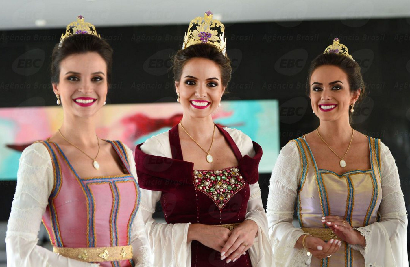 Rainha da Festa da Uva de 2016 c2af90e33b57