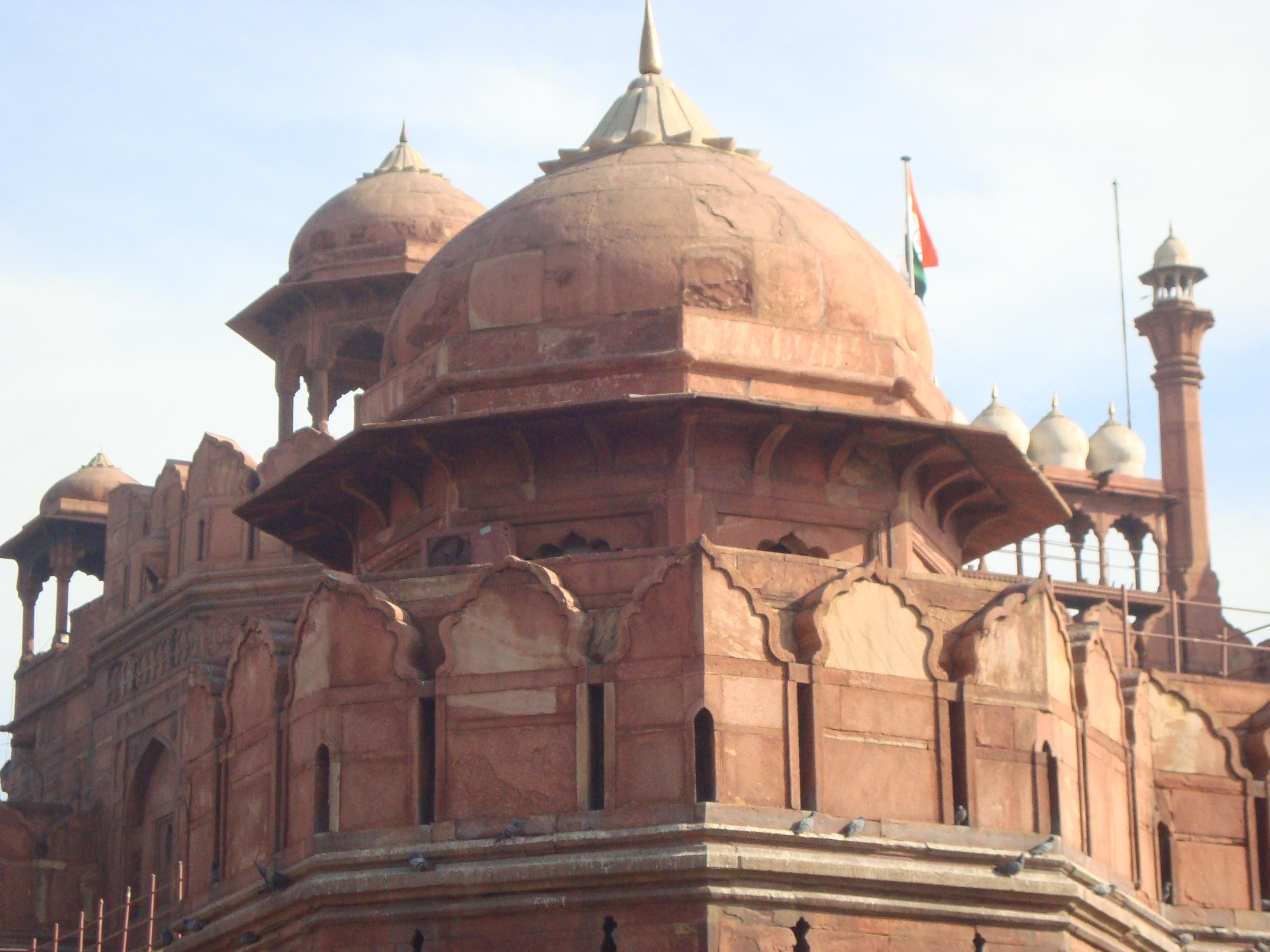 Who Built Red Fort in Delhi File:red Fort Delhi Front