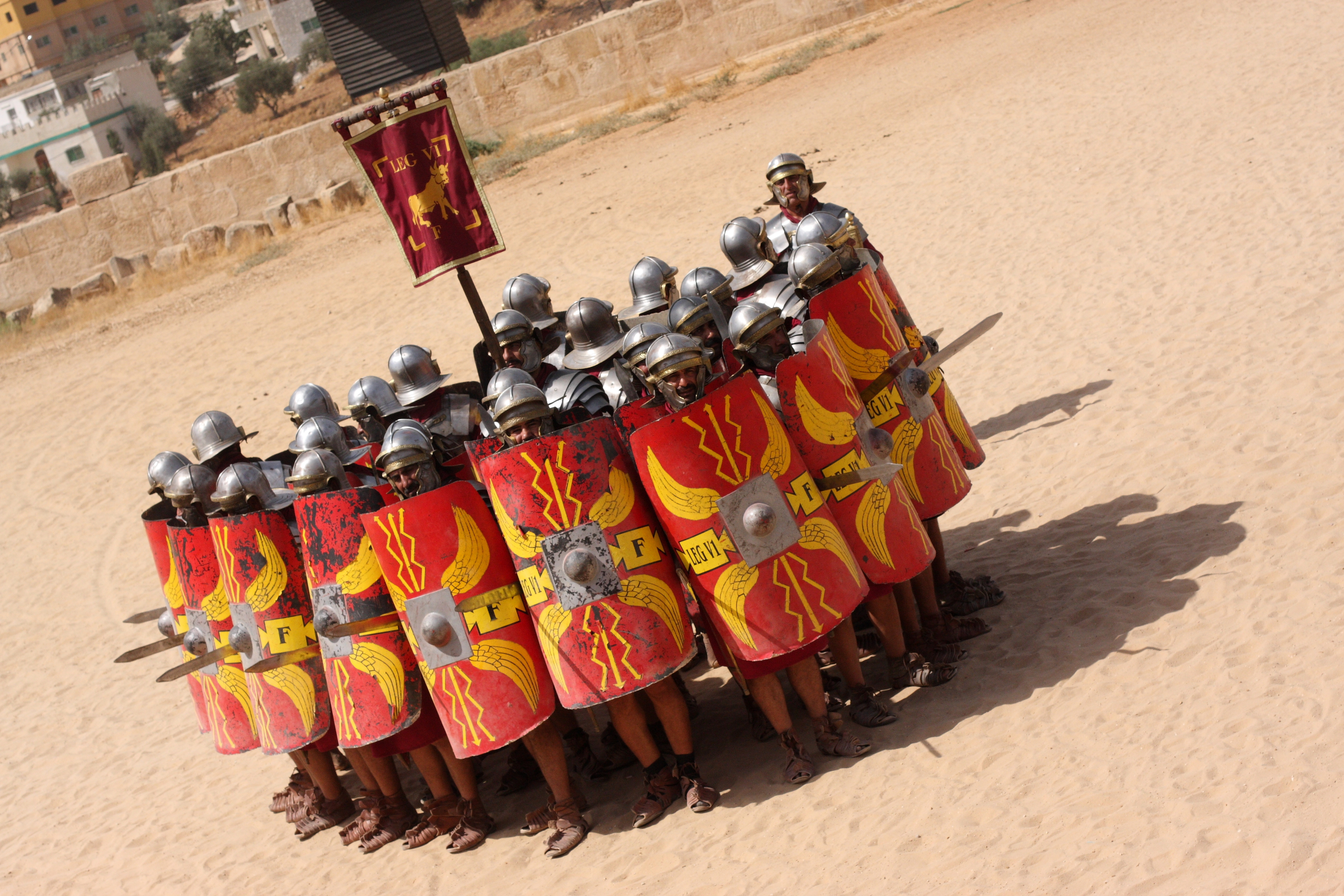 the roman army The earliest roman army formation was the phalanx, the formation used by the greeks, macedonians, and carthaginians for the romans the phalanx proved to be too unwieldy a unit to fight on hilly and.