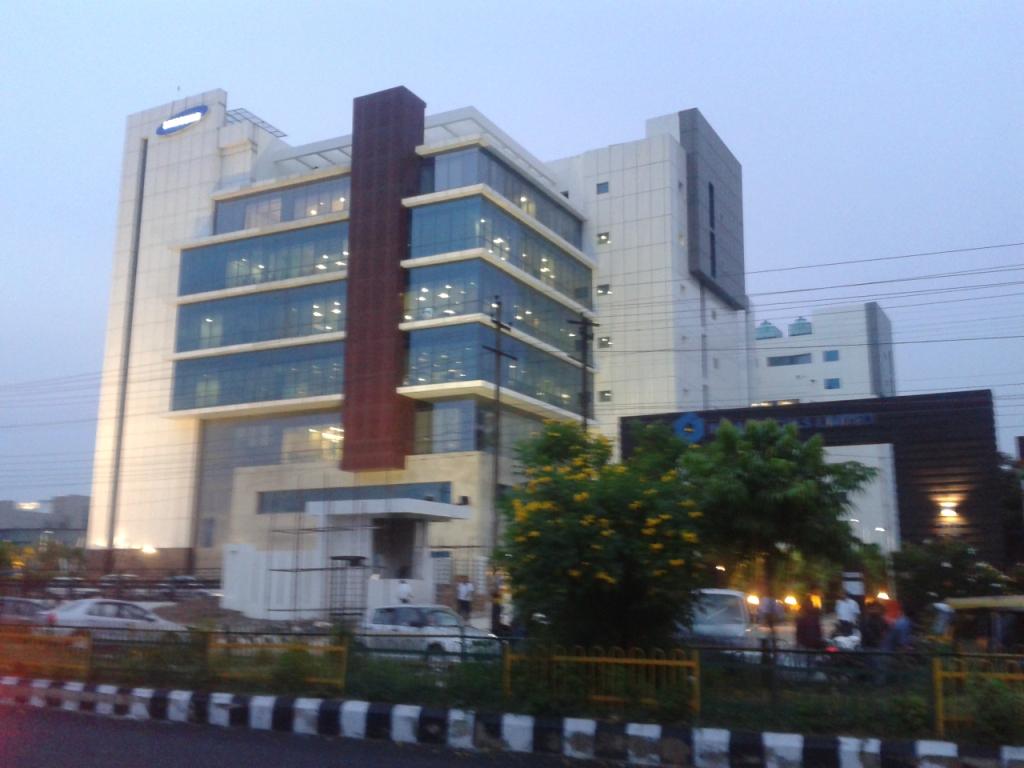 Bagmane World Technology Center Food Court