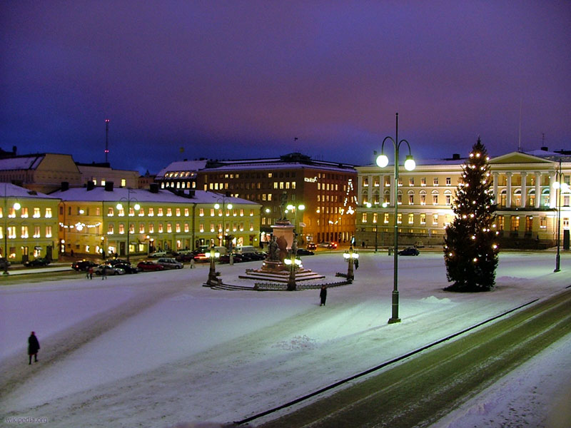 The centre of Helsinki covered in snow one December morning.
