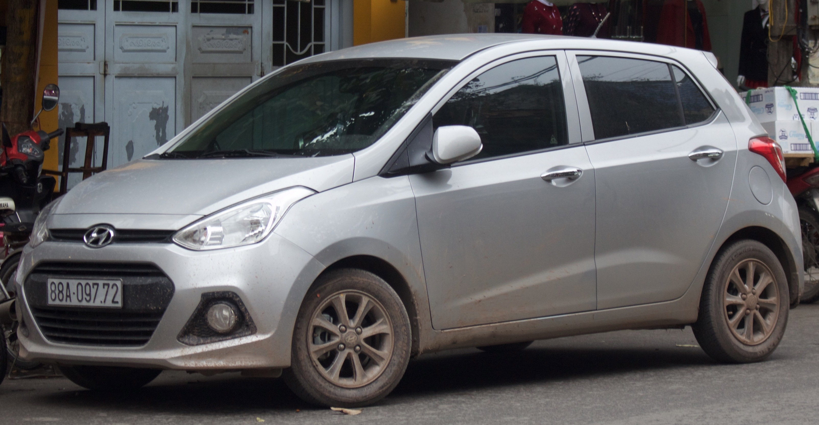 FileSilver Hyundai Grand I10 Front View
