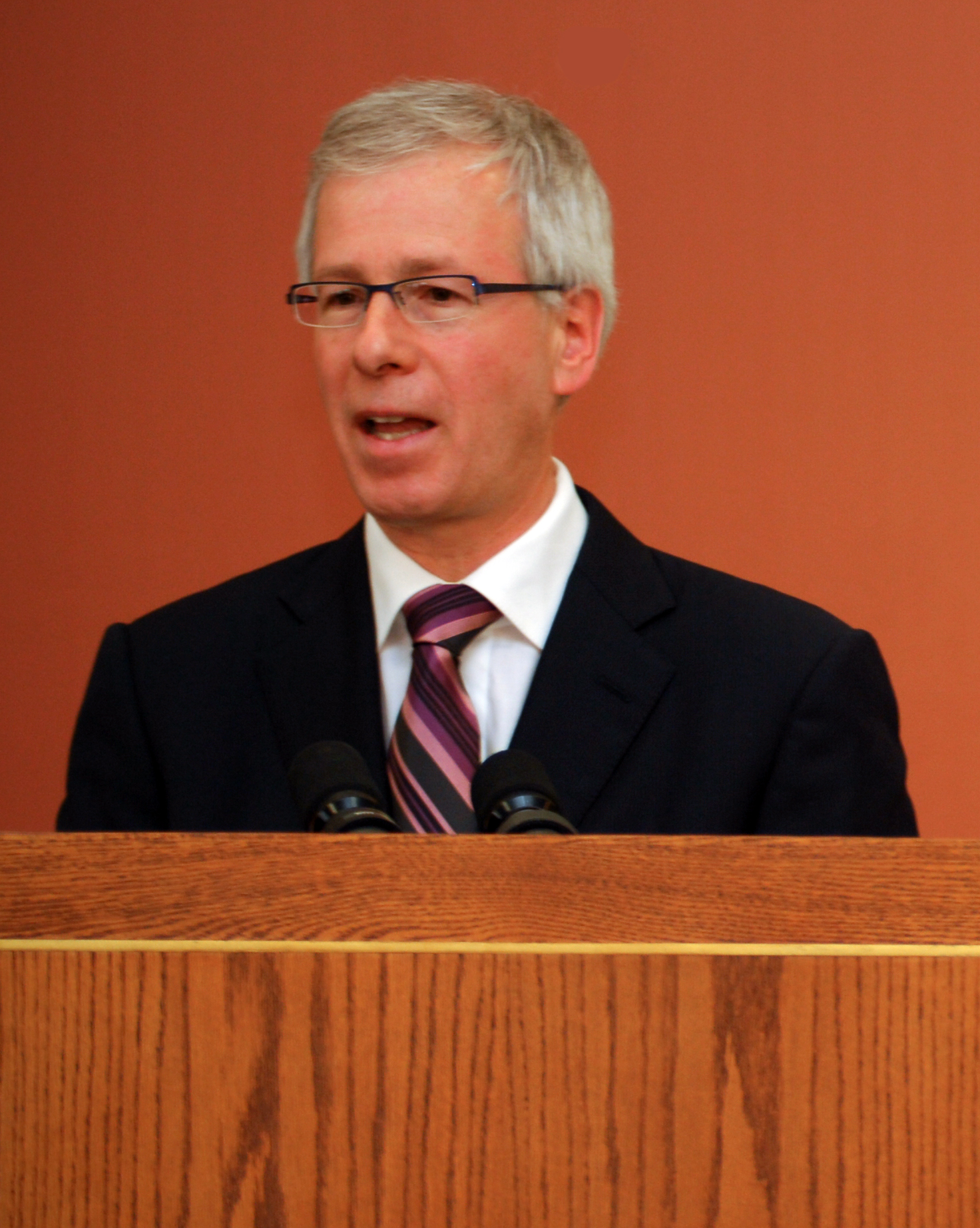 By Tavis Ford (Baitan Nur Mosque Inauguration - Stephane Dion) [CC BY 2.0 (https://creativecommons.org/licenses/by/2.0)], via Wikimedia Commons