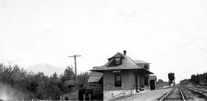 File:Station at Dunster.jpg