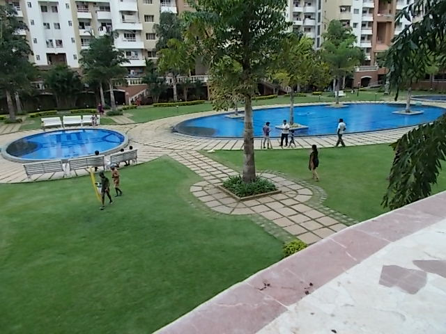 File Swimming Pool Purva Fountain Square Munnekolalu Bangalore Jpg Wikimedia Commons