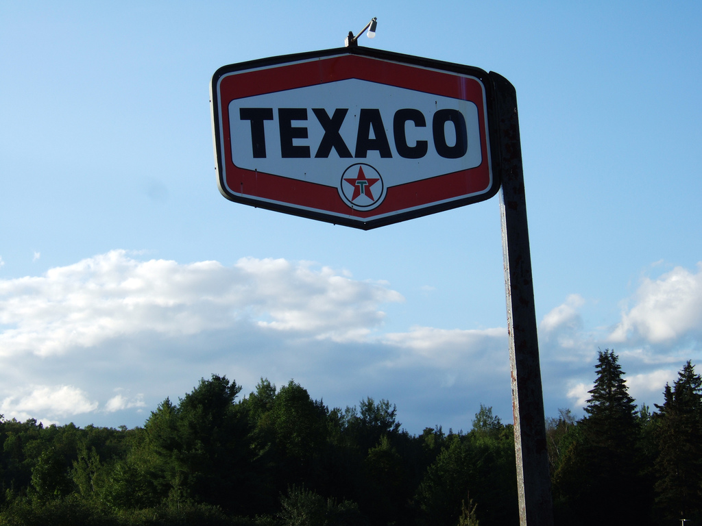 File:Texaco sign, Shin Pond, Maine jpg - Wikimedia Commons