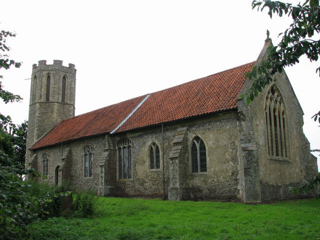 File:The church of St Nicholas, Buckenham - geograph.org.uk - 485330.jpg