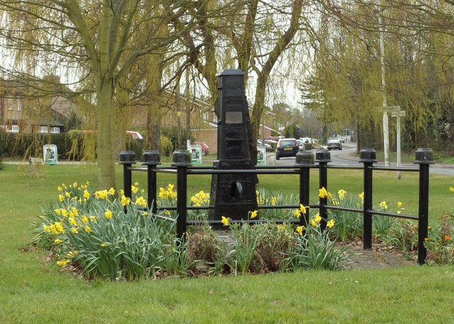 The old village pump at Galleywood - geograph.org.uk - 742050