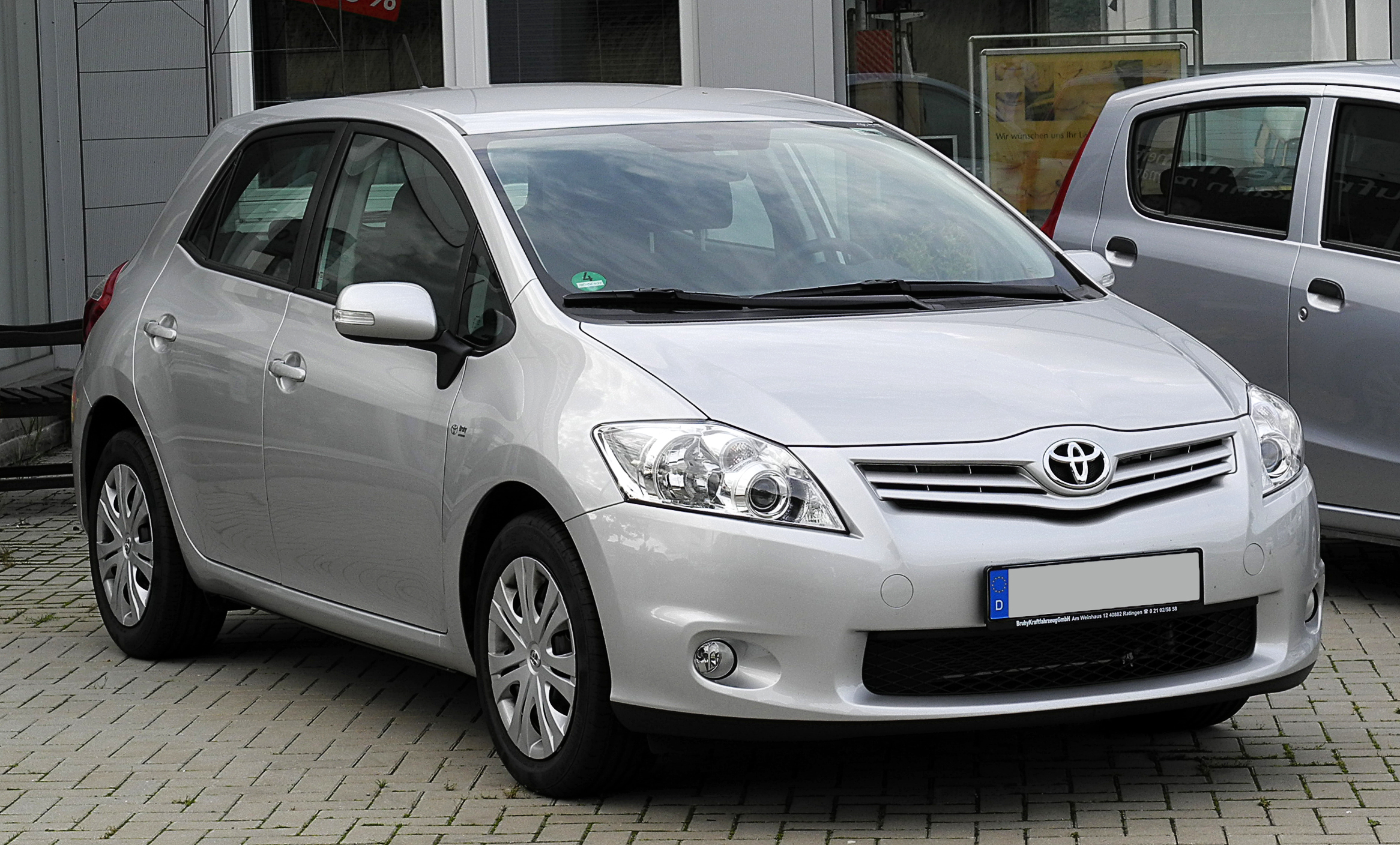 plik toyota auris 1 6 life facelift frontansicht 21 juni 2011 wikipedia. Black Bedroom Furniture Sets. Home Design Ideas