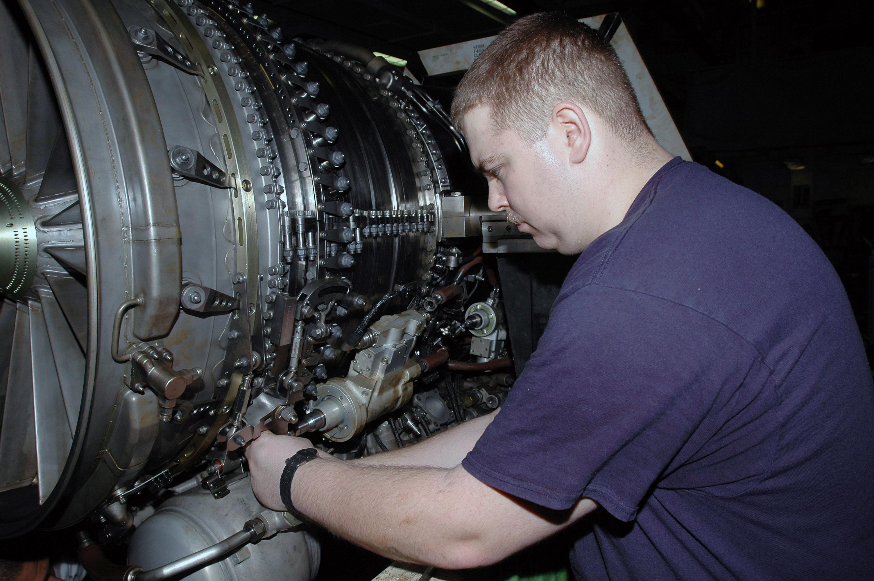 fileus navy 070825 n 1730j 069 aviation machinists mate 3rd class