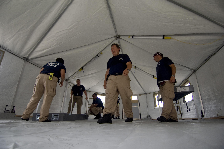 FileUS Navy 080903-N-4154B-011 The FEMA Disaster Medical Assistance & File:US Navy 080903-N-4154B-011 The FEMA Disaster Medical ...