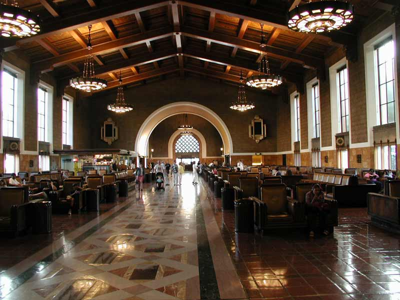 https://upload.wikimedia.org/wikipedia/commons/d/d9/Union-Station-LA-Waiting-Ro.jpg