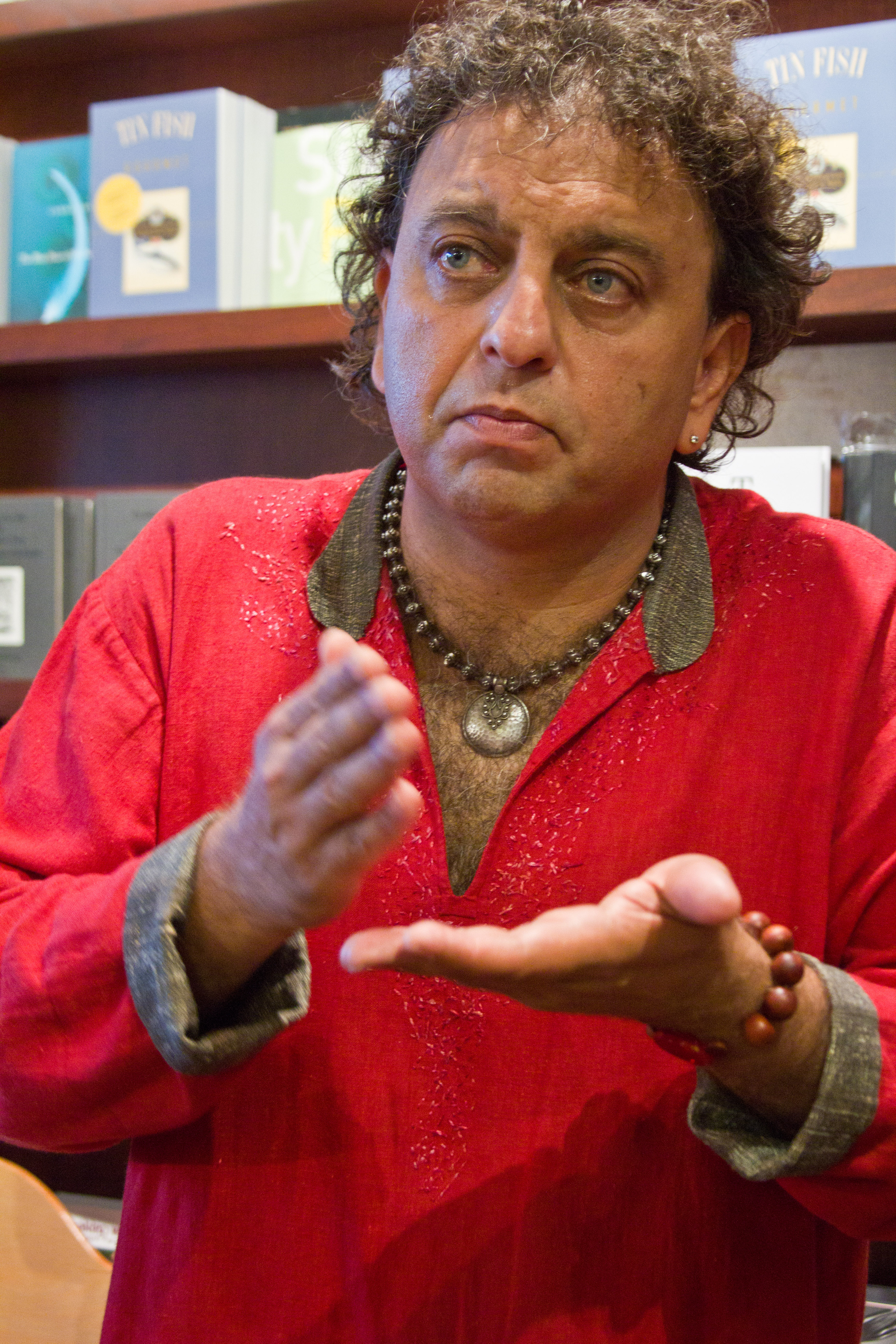 The 53-year old son of father (?) and mother(?) Vikram Vij in 2018 photo. Vikram Vij earned a  million dollar salary - leaving the net worth at 18 million in 2018