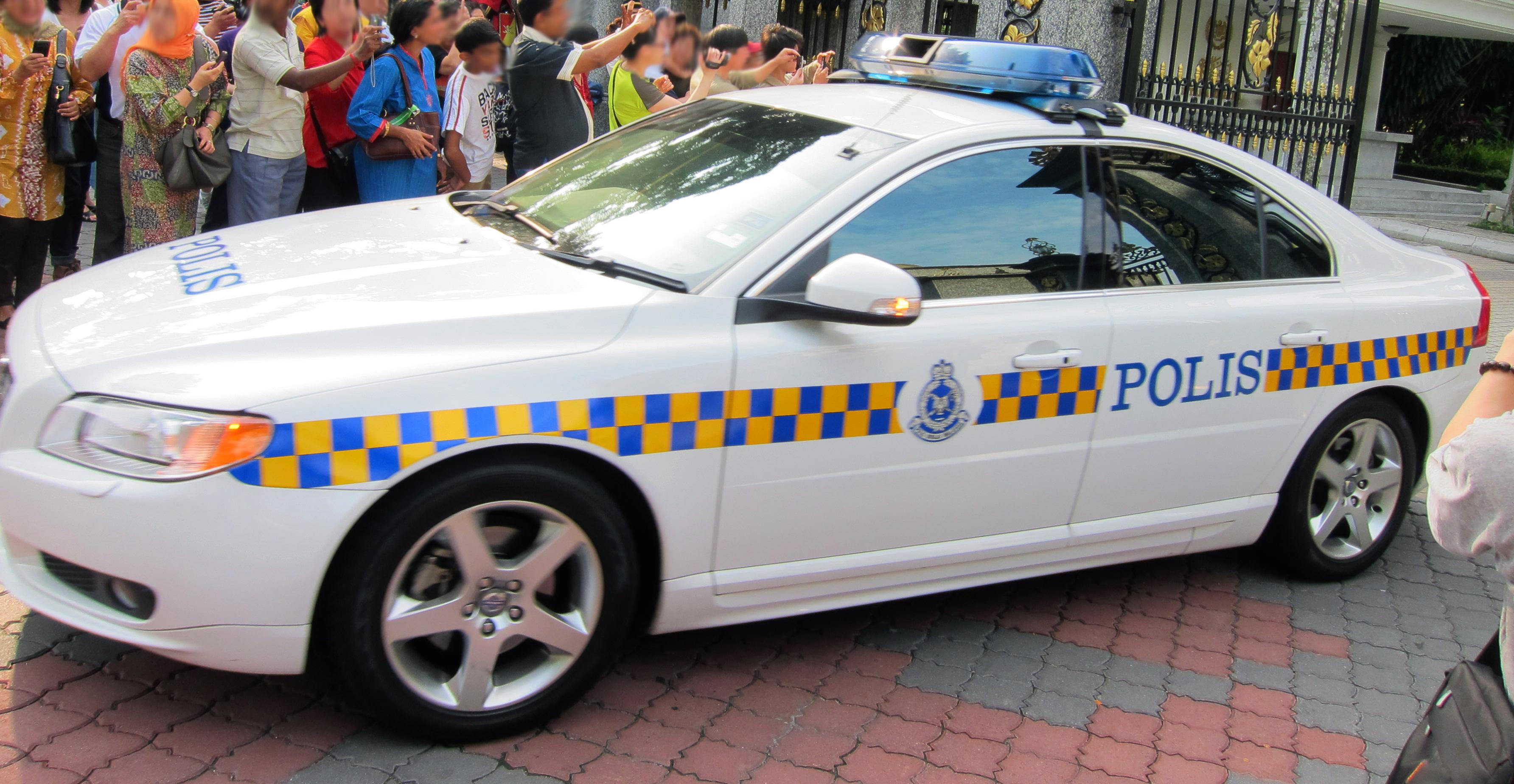 File:Volvo S80 Polis.jpg - Wikimedia Commons