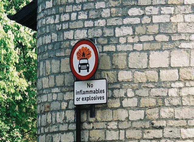 File:Warning, Do not explode^ - geograph.org.uk - 495362.jpg