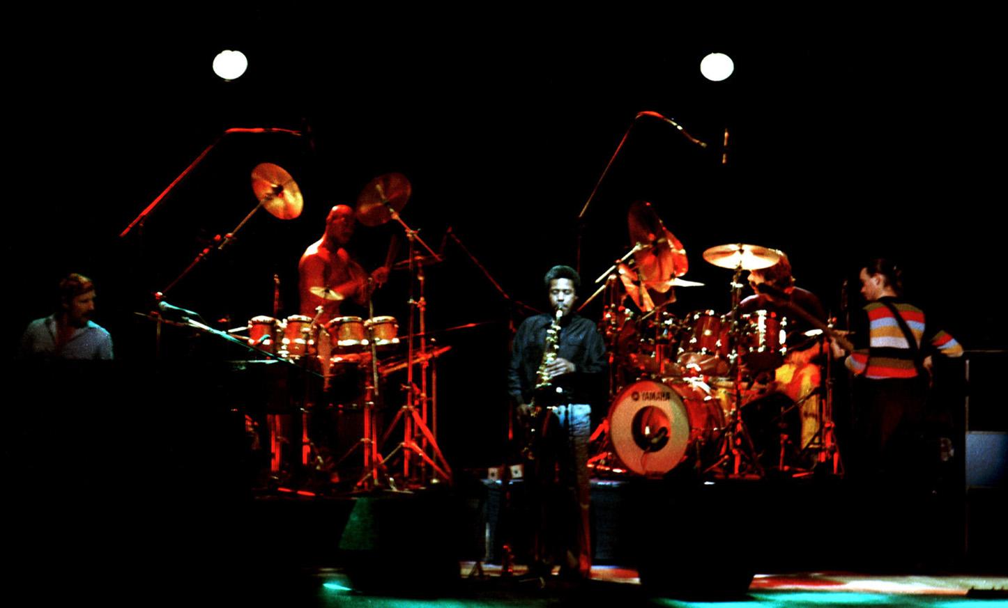 Montreux Jazz Festival >> File:Weather Report 19810611 shinjuku fn13.jpg - Wikimedia Commons