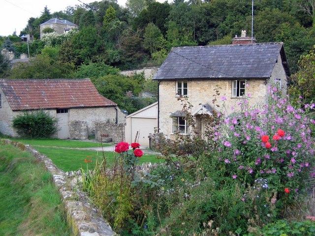 West Kington cottage - geograph.org.uk - 556972