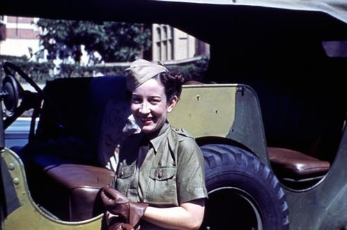 File:Womens National Emergency Legion driver Miss Tony Mitchell at Somerville House in Brisbane 1942.jpg