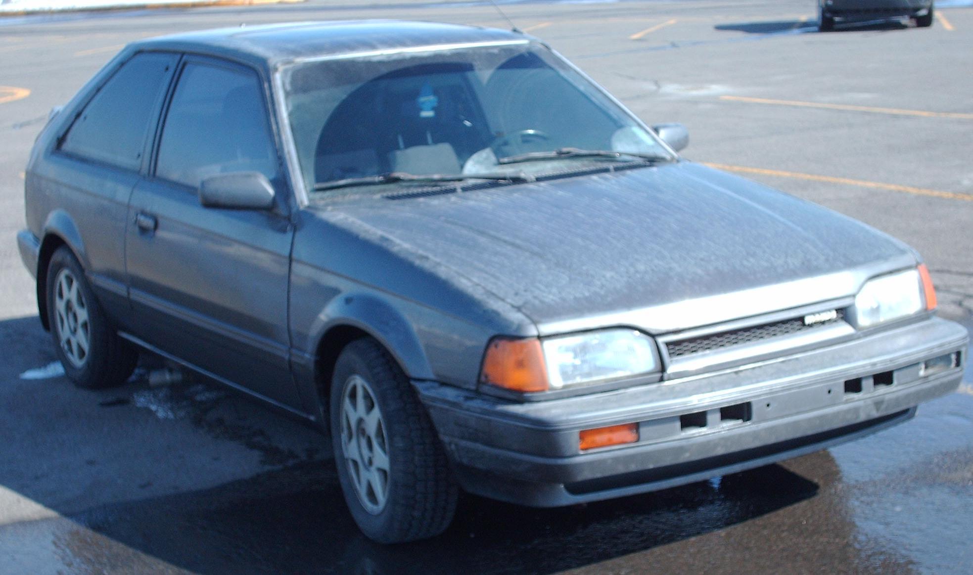 File:'85-'89 Mazda 323 Hatch.jpg - Wikimedia Commons