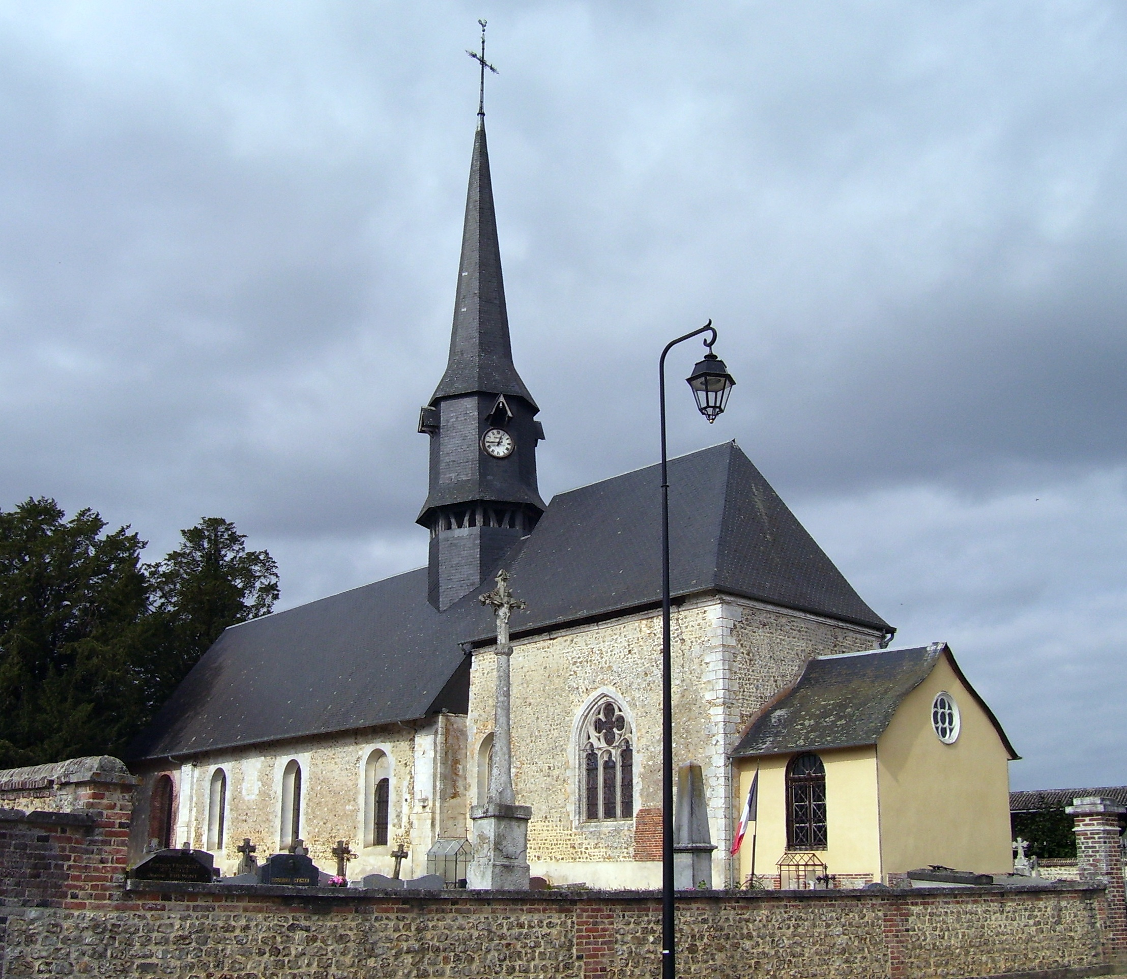 die Kirche Saint-Victor, eigenes Foto (auf commons), Lizenz:public domain/gemeinfrei