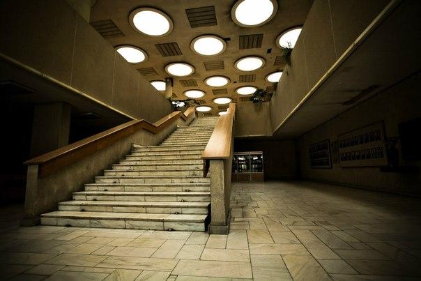 Инион лестница.jpg