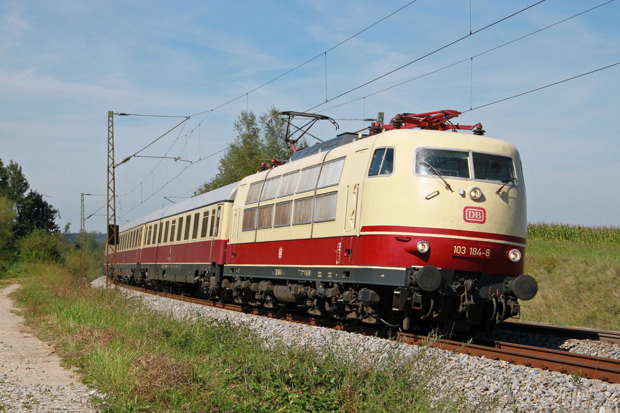 Fichier:103 184 DB nahe Ostermünchen - Bayern (1).JPG — Wikipédia