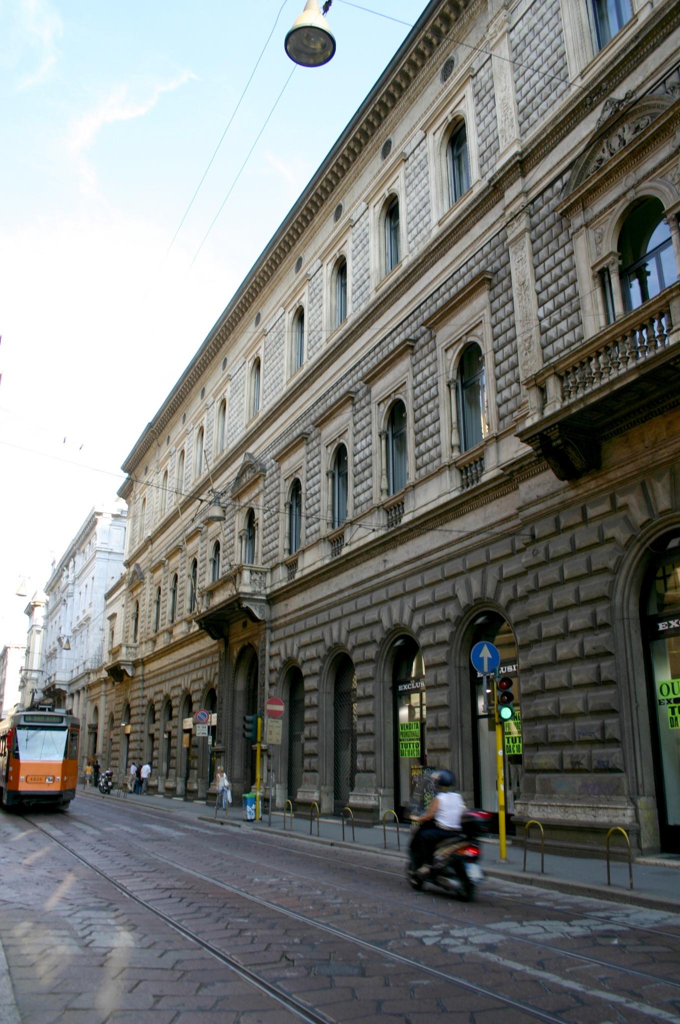 File 1056 milano enrico combi palazzo per francesco for Valentino via turati milano