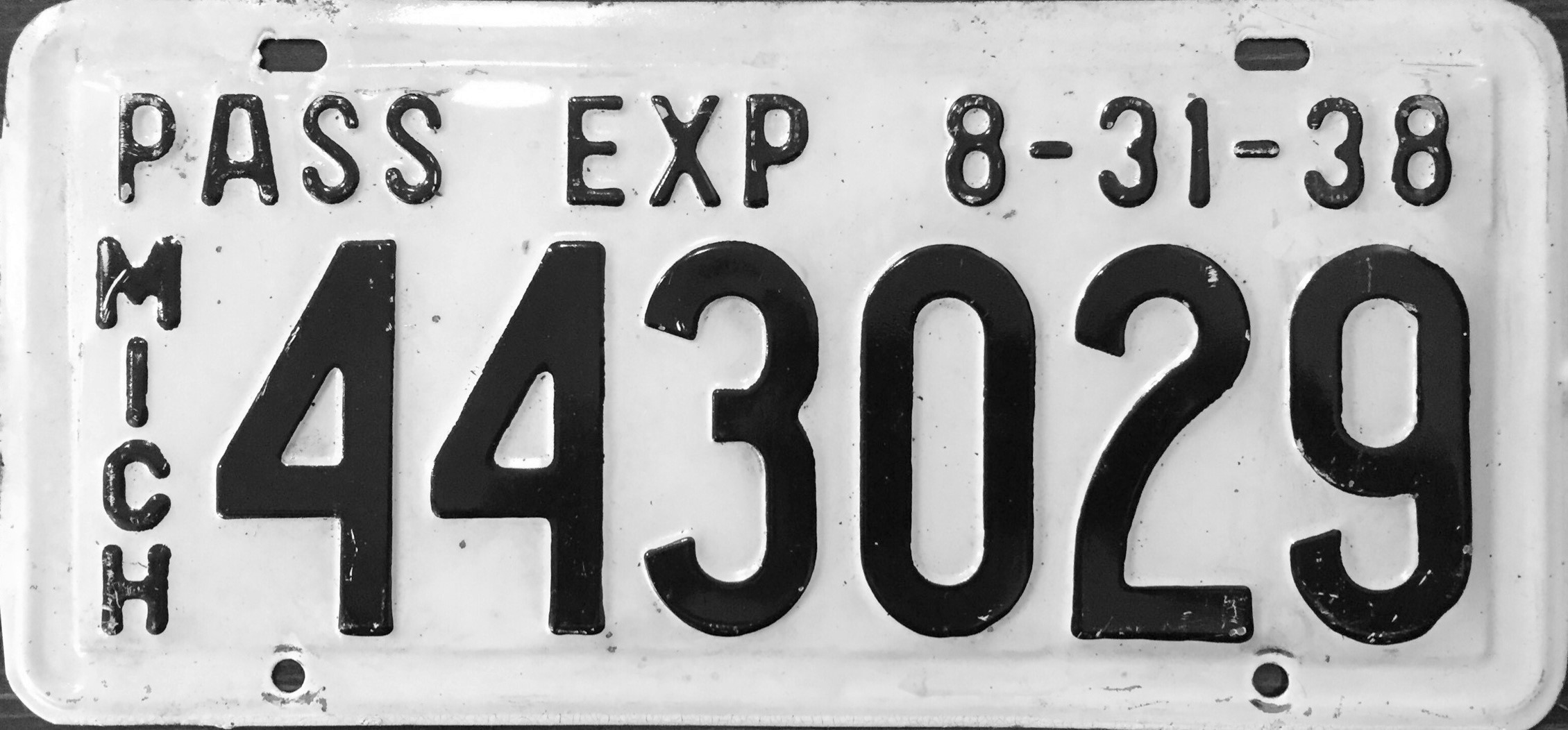 File:1938-Aug31 Michigan license plate.jpg - Wikimedia Commons