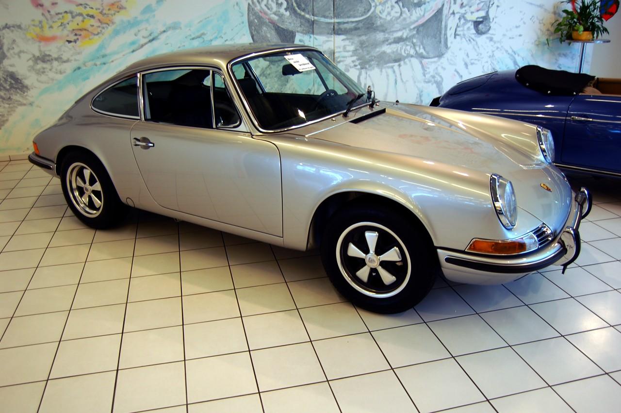 File 1969 Silver Porsche 911e Coup 233 Auto Salon Singen Germany Jpg Wikimedia Commons