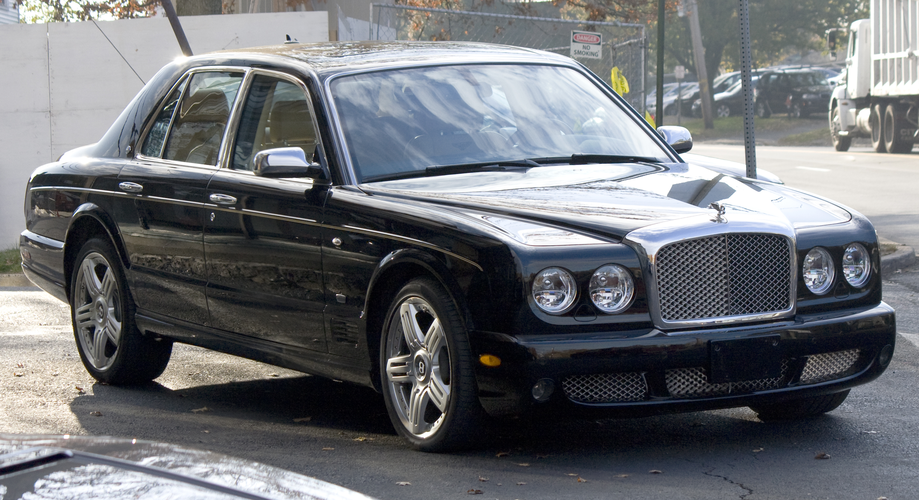 File2009 bentley arnage final seriesg wikimedia commons file2009 bentley arnage final seriesg vanachro Image collections