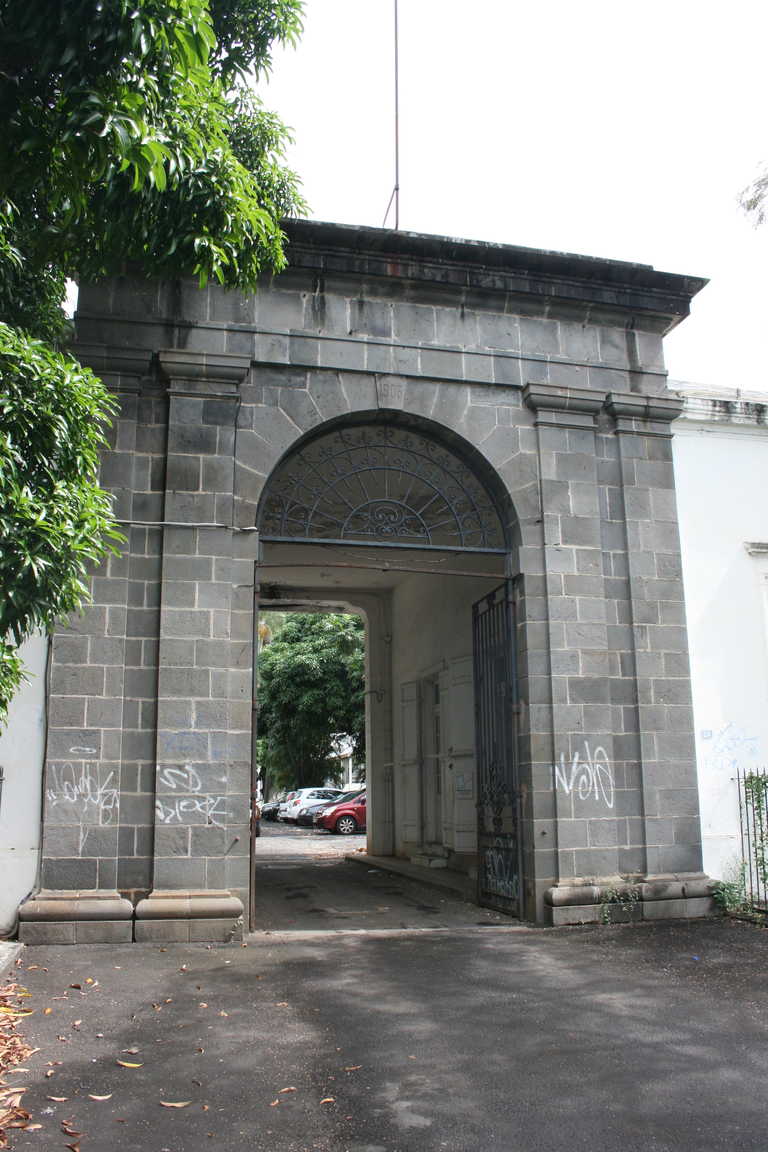 A voir à l'île de la Réunion, l'ancien hôpital militaire Félix Guyon, Ville de Saint Denis