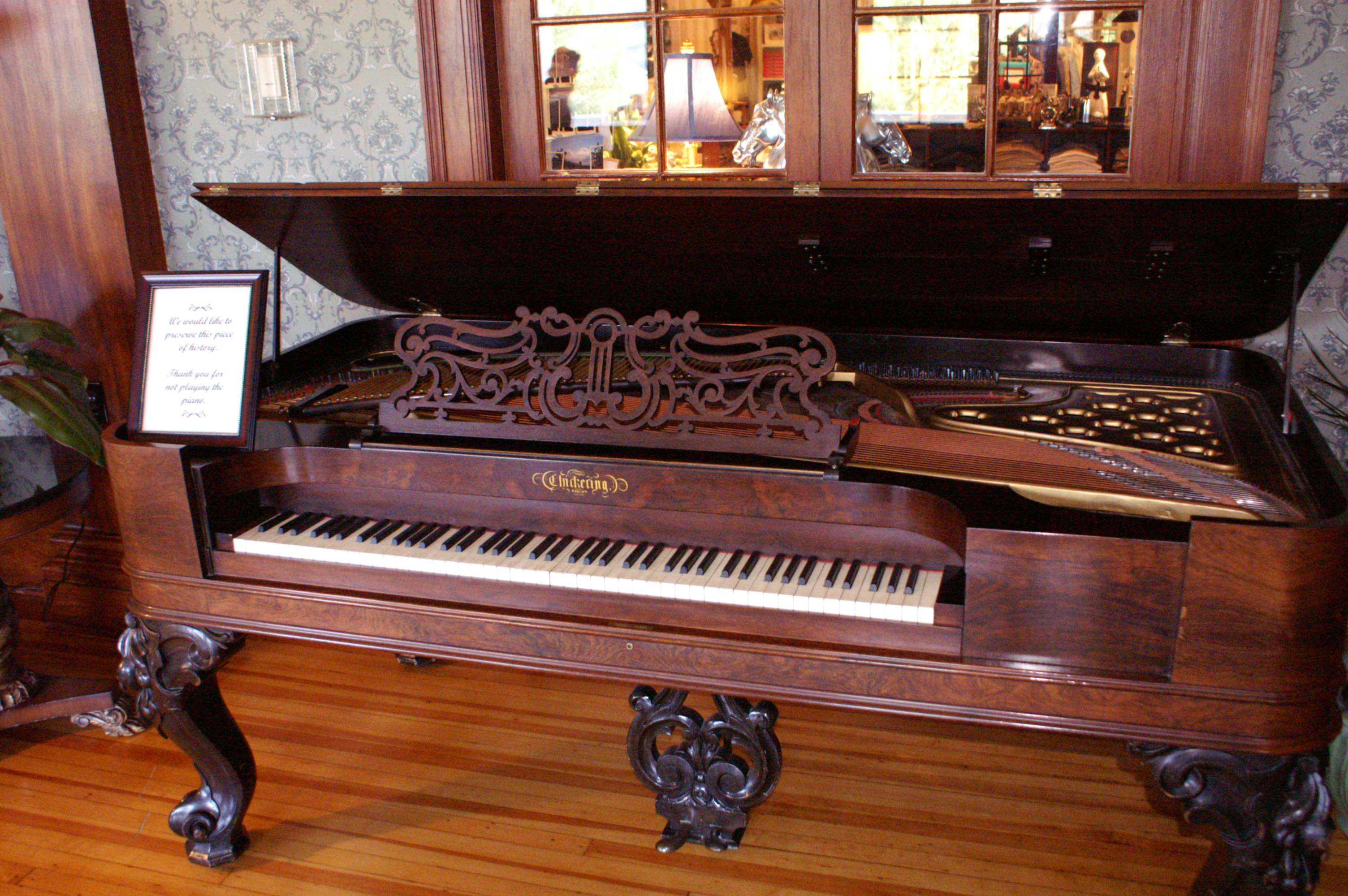 Estes Park Co >> File:Antique Chickering Piano, Stanley Hotel.jpg - Wikimedia Commons