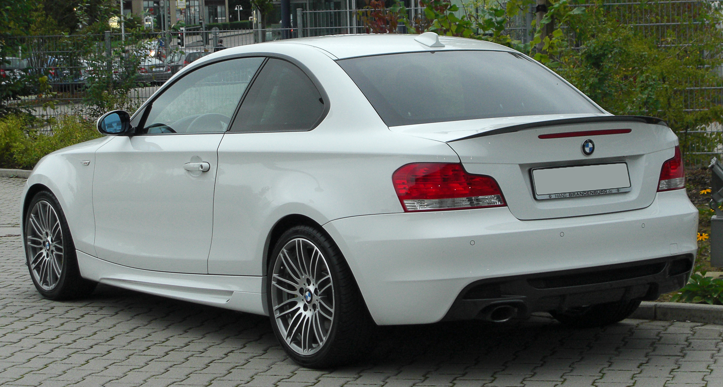 file bmw 123d coup sportpaket bmw performance e82 rear 2 wikimedia commons. Black Bedroom Furniture Sets. Home Design Ideas
