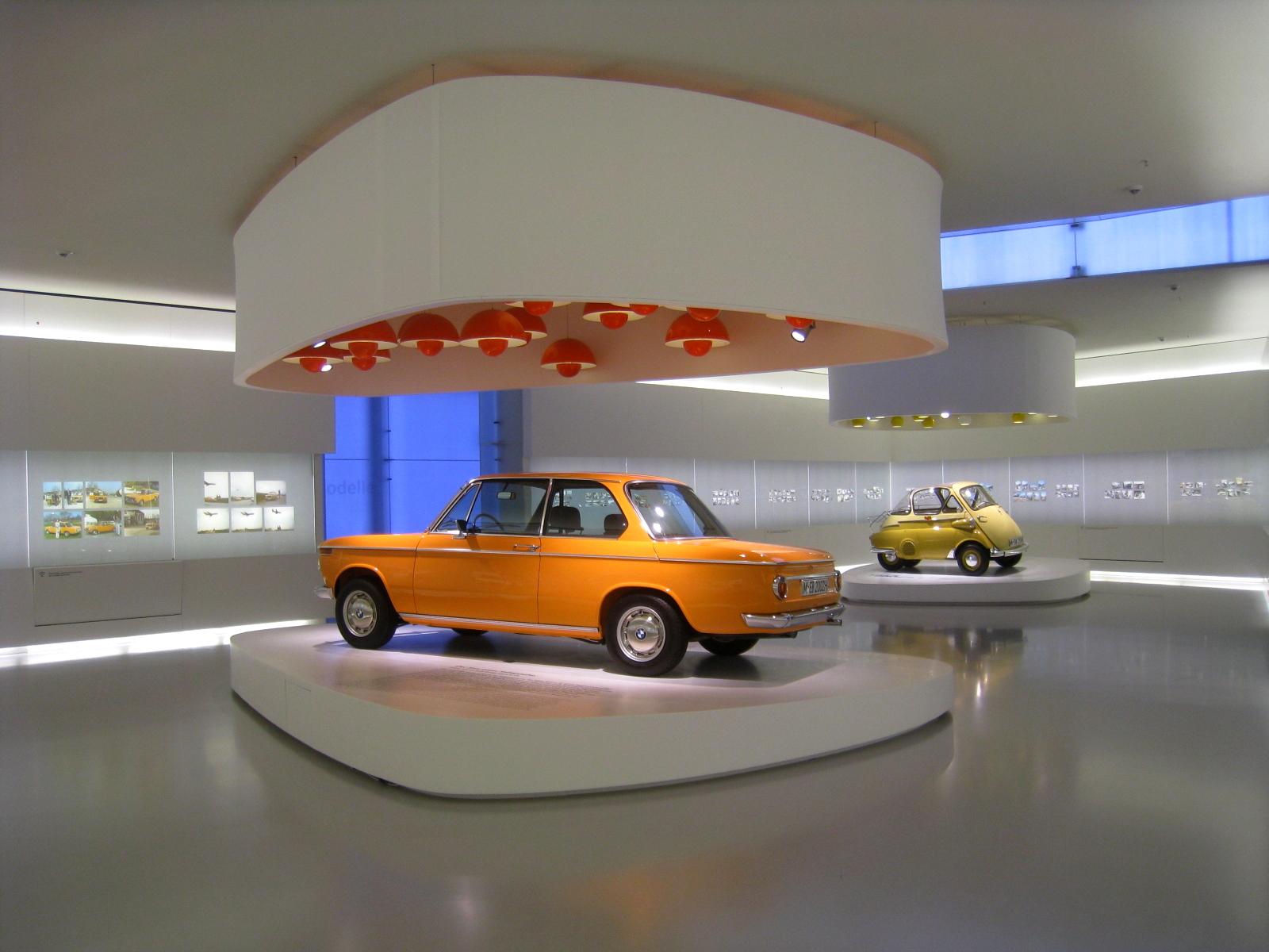 File:BMW Museum Interior 1 200905.jpg - Wikimedia Commons